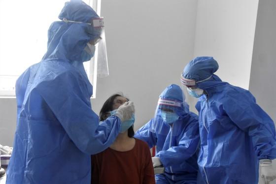 Quận 12 xét nghiệm gần 3.800 người liên quan chuỗi lây nhiễm Covid-19 ảnh 5