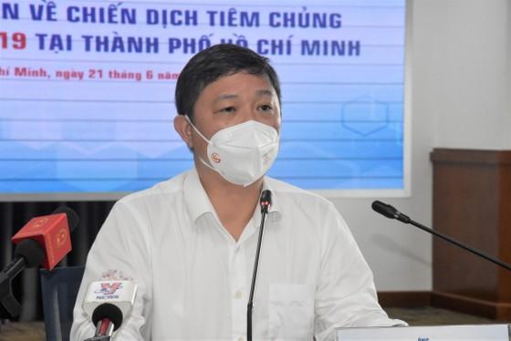 Phó Chủ tịch UBND TPHCM Dương Anh Đức: 'Không có sự phân biệt, chọn lọc người được tiêm vaccine Covid-19' ảnh 1
