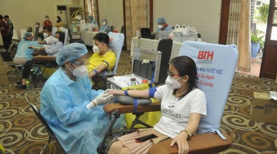 Phó Chủ tịch UBND TPHCM Dương Anh Đức kêu gọi người dân tham gia hiến máu nhân đạo ảnh 2