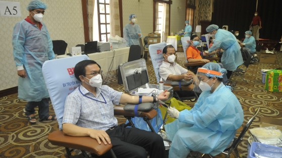 Phó Chủ tịch UBND TPHCM Dương Anh Đức kêu gọi người dân tham gia hiến máu nhân đạo ảnh 1