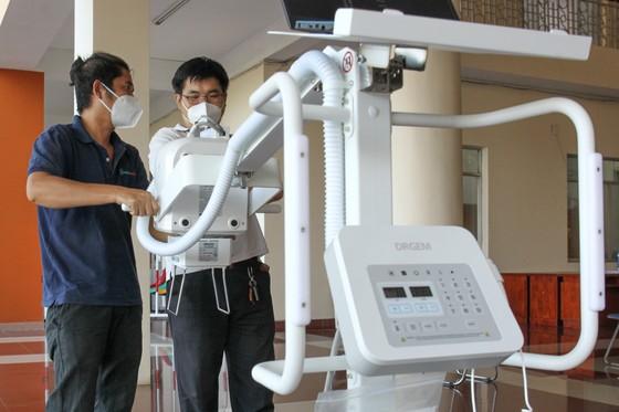 Tặng máy chụp X-quang kỹ thuật số di động hiện đại cho Bệnh viện quận Tân Phú ảnh 4