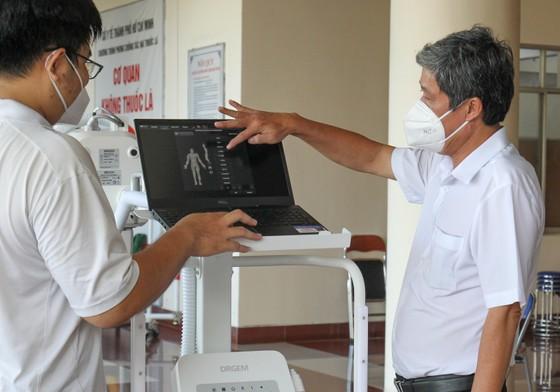 Tặng máy chụp X-quang kỹ thuật số di động hiện đại cho Bệnh viện quận Tân Phú ảnh 3
