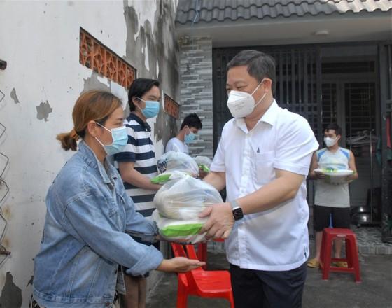 Phó Chủ tịch UBND TPHCM Dương Anh Đức: Mong bà con yên tâm ở nhà, đồng lòng cùng thành phố chống dịch  ảnh 1