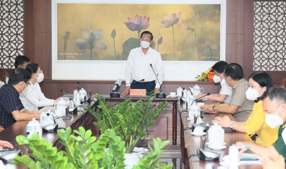 Chủ tịch UBND TPHCM Phan Văn Mãi thăm, động viên lực lượng vũ trang tham gia phòng chống dịch  ảnh 4