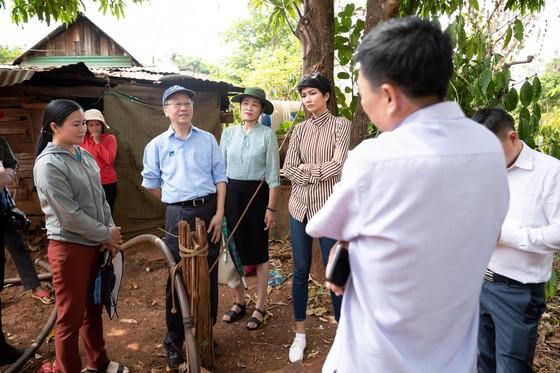 H'Hen Niê muốn hoàn thành dự án nước sạch cho buôn làng, trước khi hết nhiệm kỳ hoa hậu ảnh 3