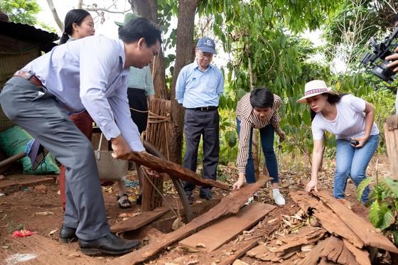 H'Hen Niê muốn hoàn thành dự án nước sạch cho buôn làng, trước khi hết nhiệm kỳ hoa hậu ảnh 2
