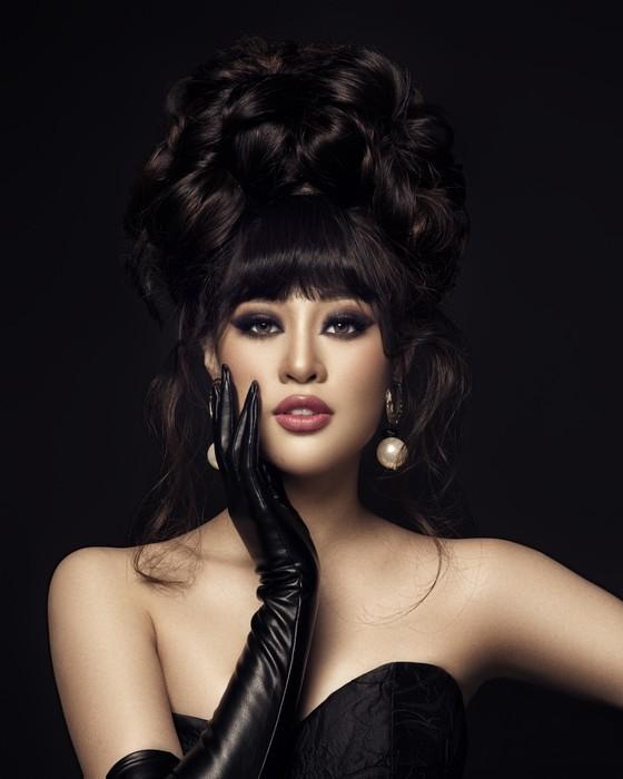 Hoa hậu Khánh Vân biến hoá hình ảnh theo concept công chúa - nữ hoàng ảnh 6