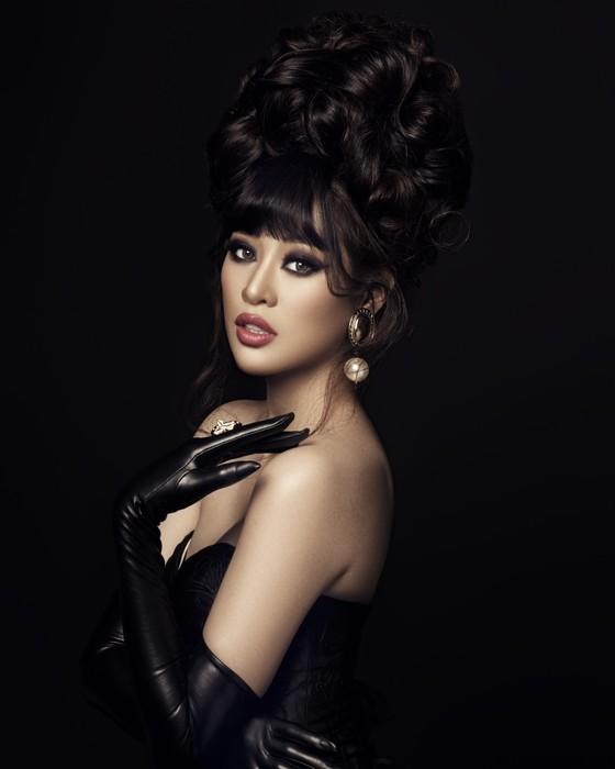 Hoa hậu Khánh Vân biến hoá hình ảnh theo concept công chúa - nữ hoàng ảnh 7