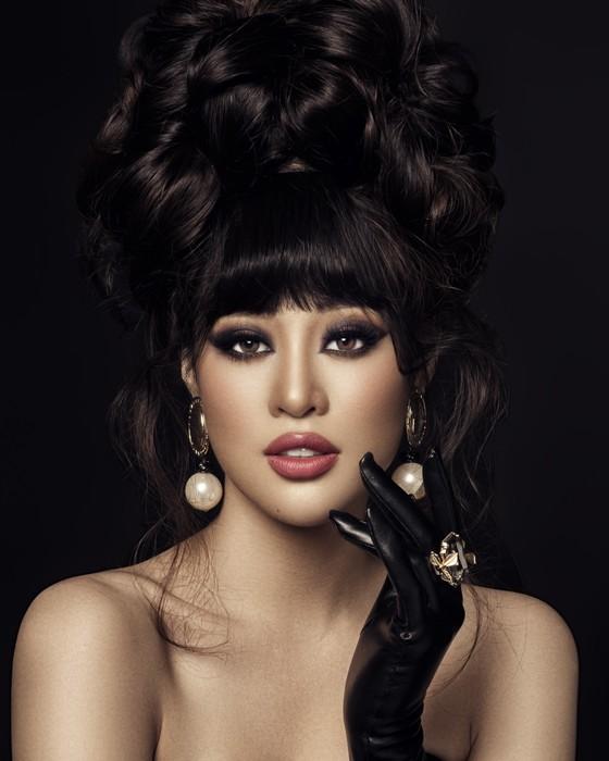 Hoa hậu Khánh Vân biến hoá hình ảnh theo concept công chúa - nữ hoàng ảnh 8