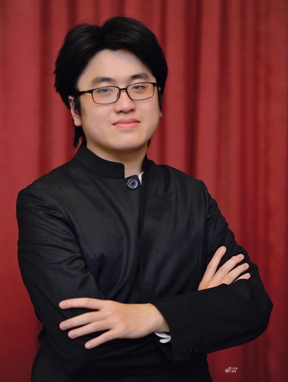 Giám đốc Âm nhạc Honna Tetsuji và nghệ sĩ piano Lưu Đức Anh sẽ tham gia đêm nhạc Franz Liszt và Antonin Dvorak ảnh 2