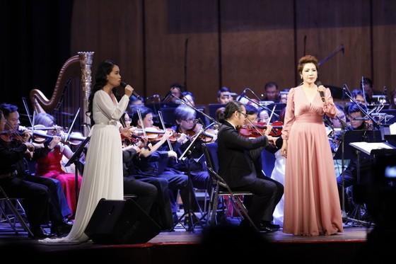 Thưởng thức đêm nhạc phim cùng NSND Tạ Minh Tâm, NSƯT Hồng Vy, Võ Hạ Trâm, Hồ Trung Dũng... ảnh 6