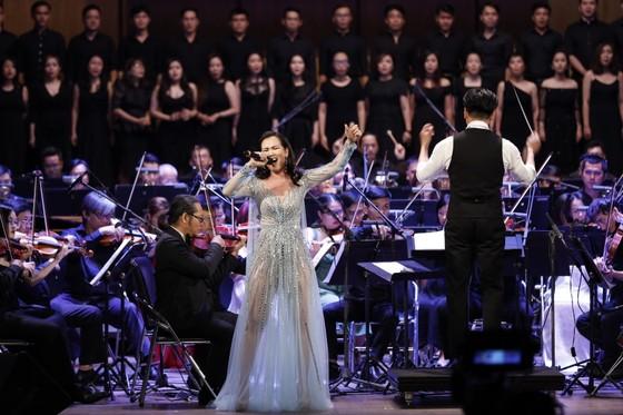Thưởng thức đêm nhạc phim cùng NSND Tạ Minh Tâm, NSƯT Hồng Vy, Võ Hạ Trâm, Hồ Trung Dũng... ảnh 7