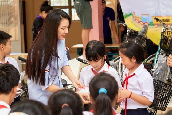 Hoa hậu Hoàn vũ Việt Nam trao yêu thương với những hoạt động hỗ trợ cộng đồng ảnh 7