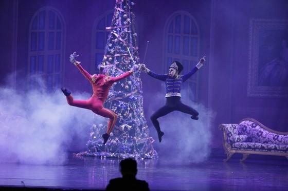 Vở vũ kịch 'Kẹp hạt dẻ' trở lại với khán giả vào mùa Giáng sinh  ảnh 1