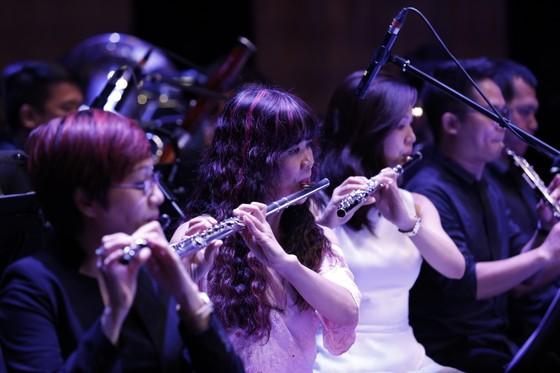 Đêm hòa nhạc HBSO đầy sắc màu đón chào năm mới 2021  ảnh 5