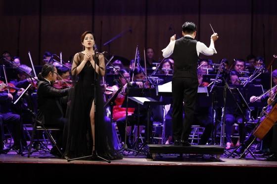 Đêm hòa nhạc HBSO đầy sắc màu đón chào năm mới 2021  ảnh 2