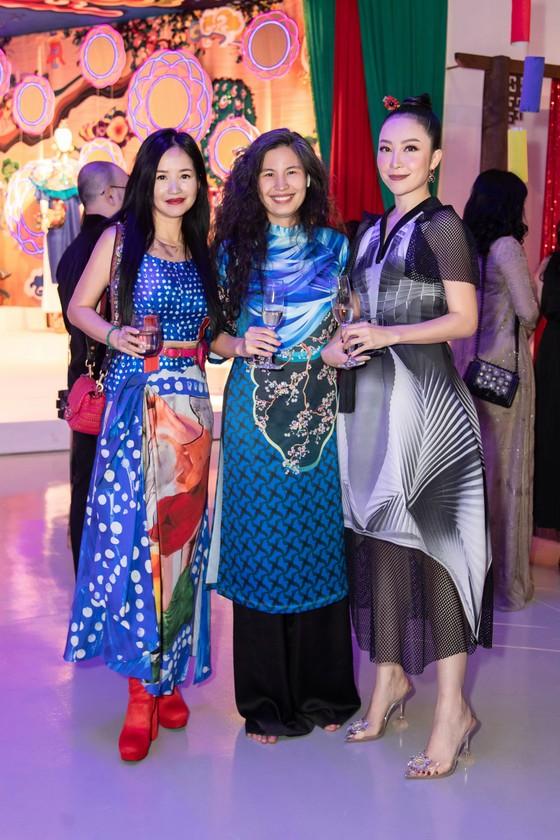 Nhiều nghệ sĩ xuất hiện tại triển lãm Mộng bình thường của Thủy Nguyễn ảnh 3