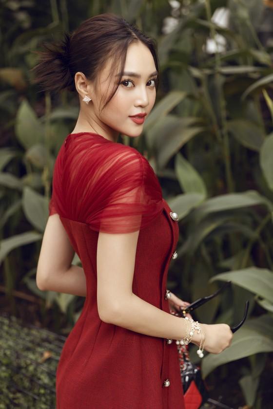 Ninh Dương Lan Ngọc gợi ý loạt váy diện dạo phố trong tiết trời se lạnh dịp cuối năm ở TPHCM ảnh 9