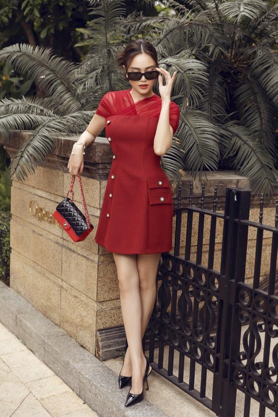 Ninh Dương Lan Ngọc gợi ý loạt váy diện dạo phố trong tiết trời se lạnh dịp cuối năm ở TPHCM ảnh 10