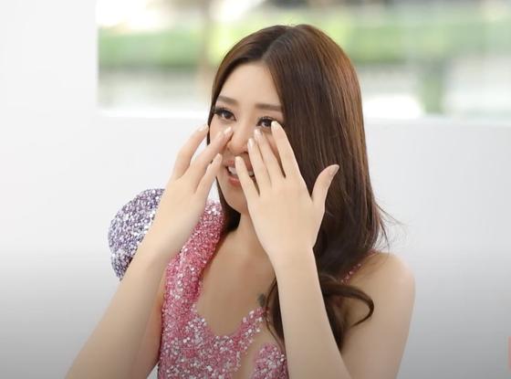 Hoa hậu Khánh Vân biến hóa với ba phong cách thời trang khác nhau  ảnh 10