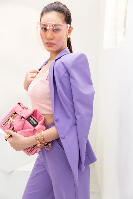 Hoa hậu Khánh Vân biến hóa với ba phong cách thời trang khác nhau  ảnh 5