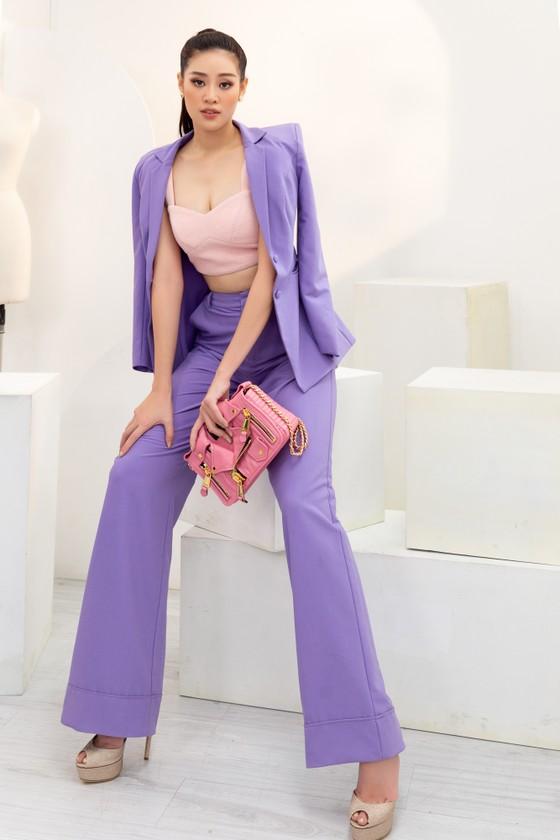 Hoa hậu Khánh Vân biến hóa với ba phong cách thời trang khác nhau  ảnh 6