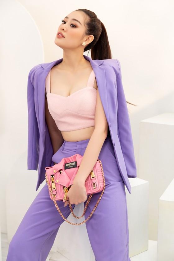 Hoa hậu Khánh Vân biến hóa với ba phong cách thời trang khác nhau  ảnh 7