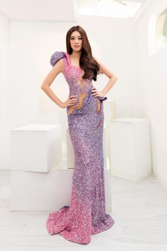 Hoa hậu Khánh Vân biến hóa với ba phong cách thời trang khác nhau  ảnh 8
