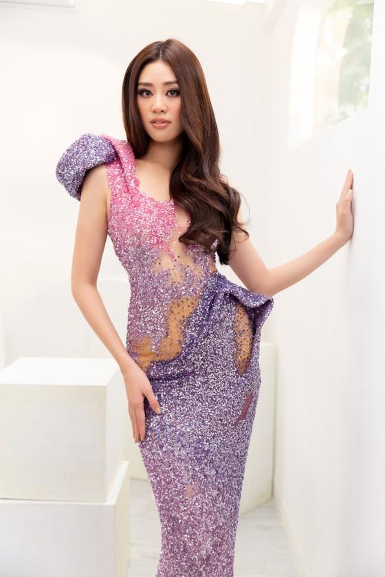 Hoa hậu Khánh Vân biến hóa với ba phong cách thời trang khác nhau  ảnh 9