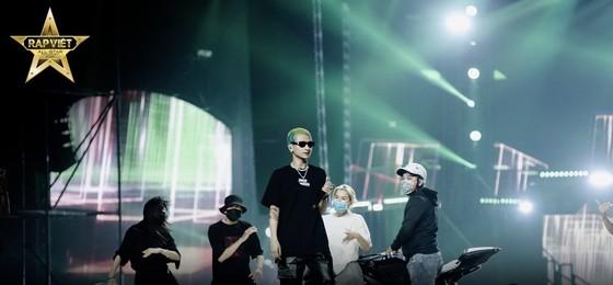 Live Concert Rap Việt All-Star hé lộ loạt hình ảnh tổng duyệt 'gây choáng' ảnh 3