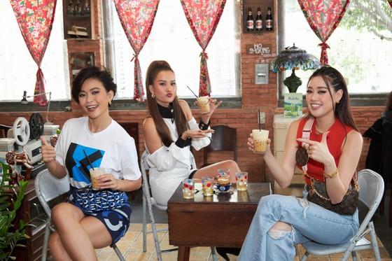 Hoa hậu Khánh Vân khám phá văn hóa, con người và cảnh đẹp Việt Nam ảnh 1