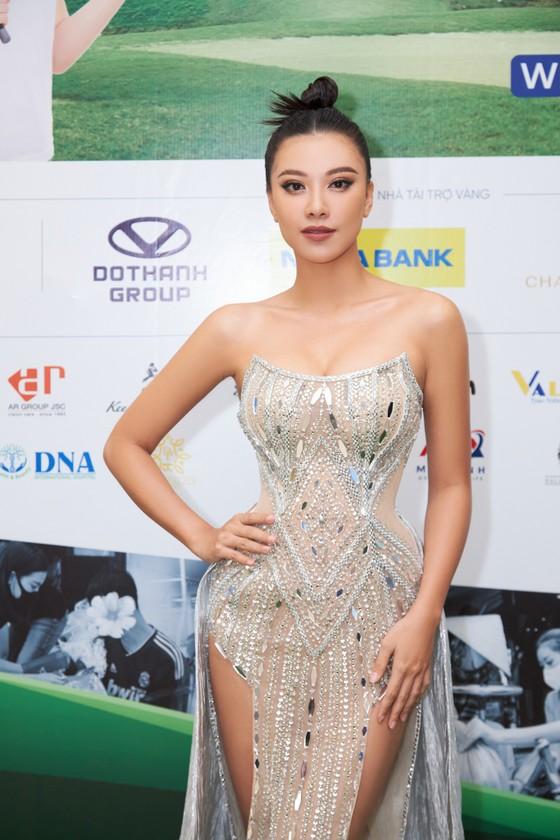 Giải Golf thiện nguyện Hoa Hậu Hoàn vũ Việt Nam quyên góp được 690 triệu đồng xây dựng 2 cây cầu tại tỉnh Long An ảnh 1