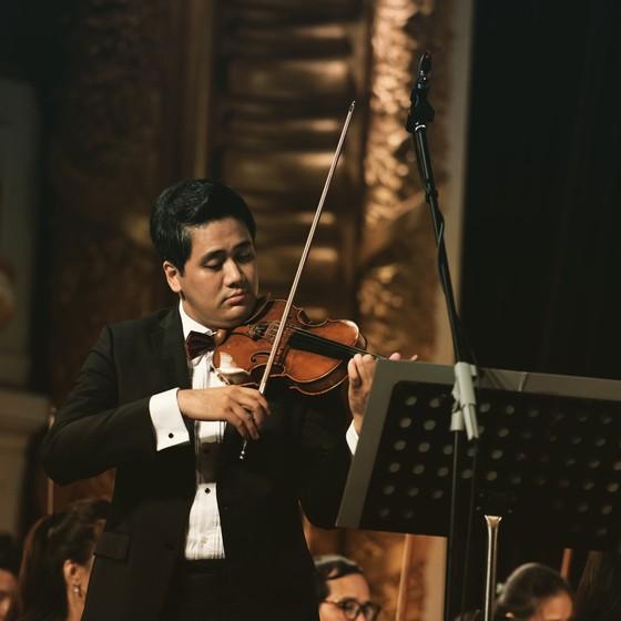 Hơn 100 nghệ sĩ giao hưởng cùng trình diễn tại buổi hòa nhạc The Great German Three B's ảnh 2