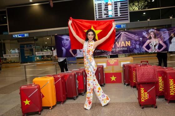 Hoa hậu Khánh Vân chính thức lên đường sang Mỹ chinh phục Miss Universe ảnh 2