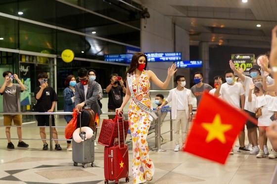 Hoa hậu Khánh Vân chính thức lên đường sang Mỹ chinh phục Miss Universe ảnh 8