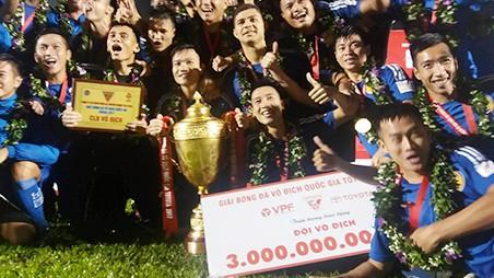 Quảng Nam đoạt ngôi vô địch Toyota - V.League 2017