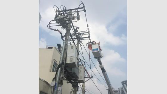 Đảm bảo an toàn lưới điện mùa mưa ảnh 1