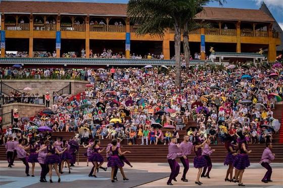 """Từ """"Vũ hội Ánh Dương"""", ngẫm về du lịch lễ hội tại Việt Nam ảnh 2"""