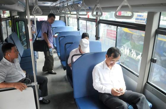 Vì sao xe buýt vắng hành khách? ảnh 1