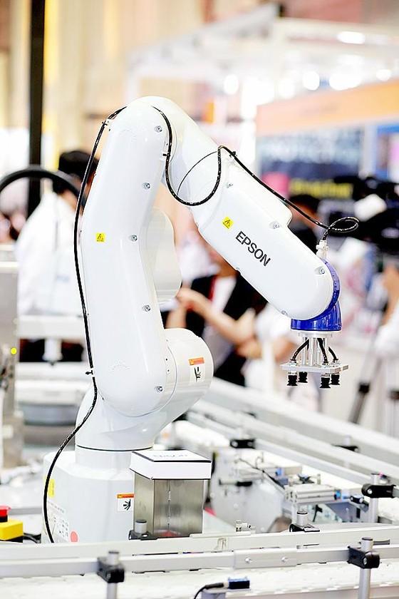 Epson đưa các giải pháp robot công nghiệp vào Việt Nam ảnh 1