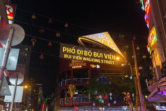 Kinh tế ban đêm - Bài 4: 'Bắt' khách đi ngủ sớm – Điểm yếu của du lịch Việt ảnh 1