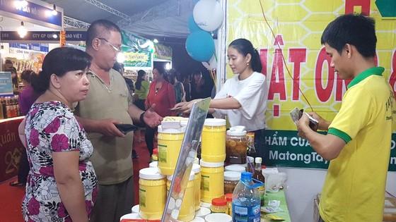 """Giúp hàng Việt """"bám rễ"""" vùng nông thôn ảnh 1"""