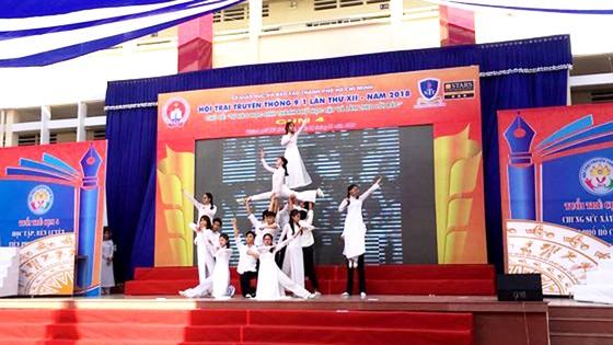 Hơn 10.000 học sinh TPHCM tham gia ngày hội truyền thống 9-1 ảnh 1