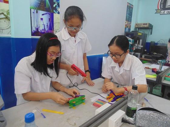 Học sinh trường Lê Quý Đôn hào hứng trải nghiệm cùng tiết học STEAM ảnh 4