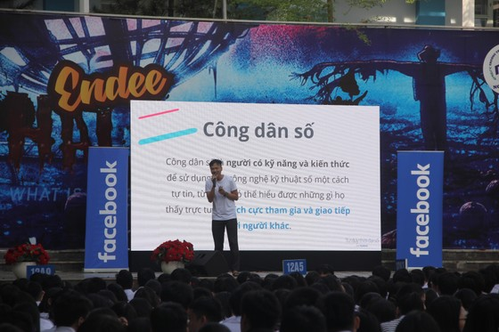 Gần 1.500 học sinh học cách ứng xử thông minh trên mạng xã hội ảnh 2