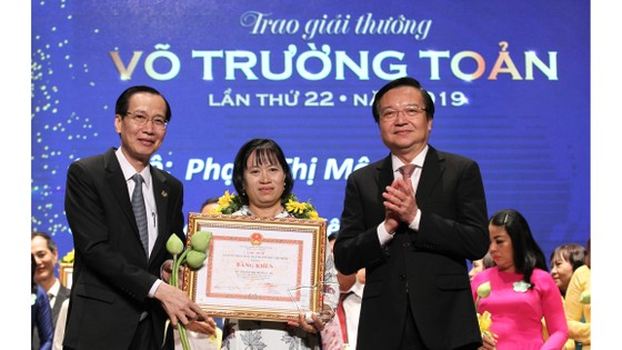 50 nhà giáo, cán bộ quản lý được trao tặng giải thưởng Võ Trường Toản lần thứ 22 năm 2019 ảnh 3