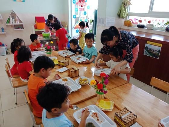 TPHCM: Không tổ chức ăn sáng cho trẻ mầm non khi quay lại trường học ảnh 1