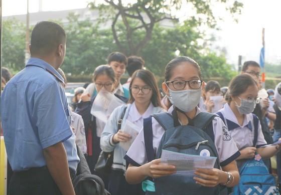 Trường Phổ thông Năng khiếu (ĐHQG TPHCM) công bố điểm chuẩn vào lớp 10 ảnh 1
