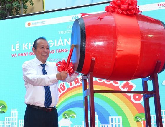 Phó Thủ tướng Thường trực Trương Hòa Bình phát động 'Tháng cao điểm an toàn giao thông cho học sinh đến trường' ảnh 1
