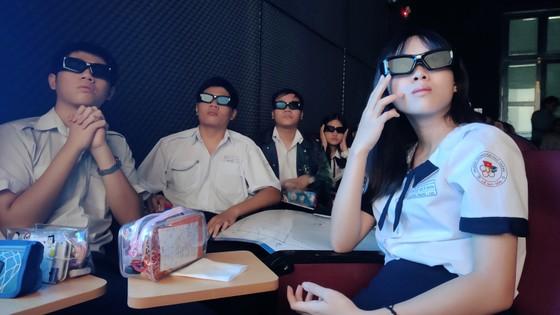Trường học đầu tiên đưa ứng dụng 3D vào dạy môn Toán ảnh 3